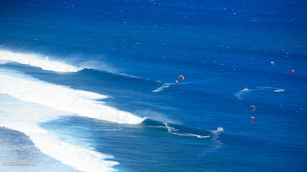 kite dans les vagues à l'île maurice