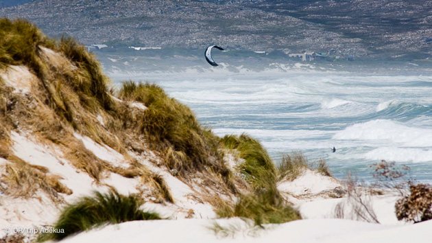 superbes sessions de kite dans les vagues en Afrique du sud