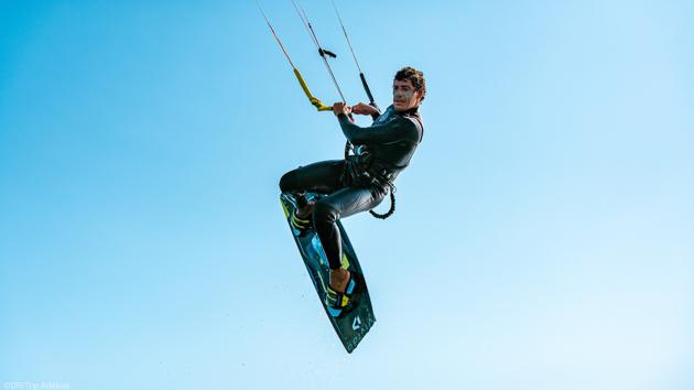 Progressez en kite sur les meilleurs spots de Sardaigne