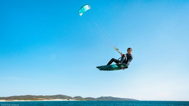 Un séjour idéal pour progresser en kitesurf en Sardaigne