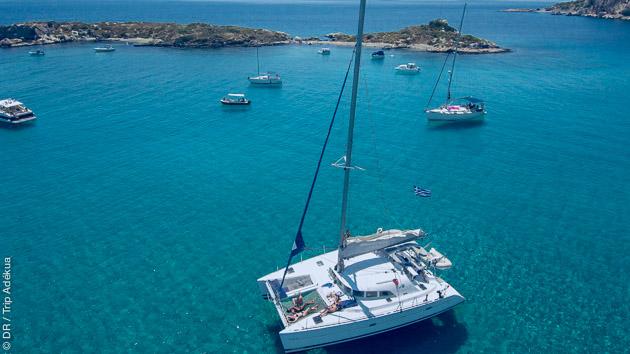Profitez des plus beaux mouillages des îles Petalis en grèce