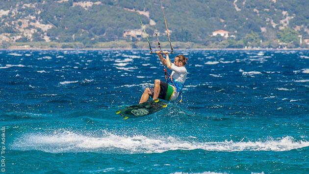 Naviguez sur les plus beaux spots des îles Petalis en Grèce