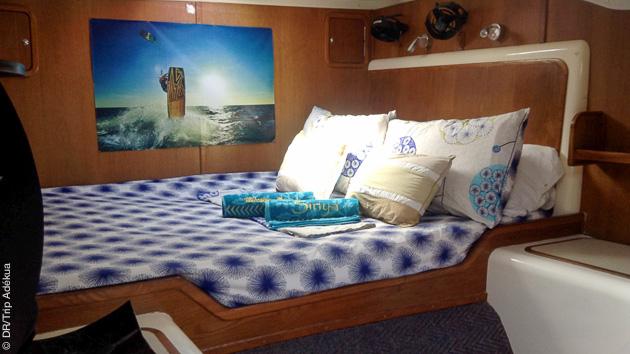 Votre cabine tout confort dans le catamaran qui vous emmène kiter sur l'île de Seco, aux Philippines