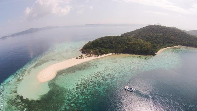 Laissez vous transporter pour un trip kitesurf autour de Seco island, près de Boracay !