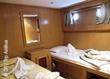 Adoptez votre rythme de croisière en mer Rouge sur votre bateau tout confort  - voyages adékua