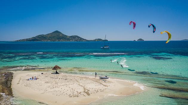 Progressez en kitesurf sur les plus beaux spots des Caraïbes
