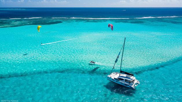 Votre croisière kitesurf de rêve sur un catamaran aux Grnedines