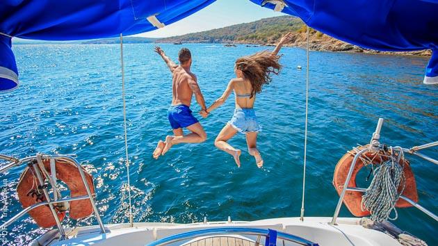 Un voilier tout confort pour un séjour de rêve en Méditerranée