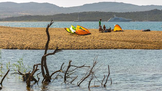 Un séjour kitesurf sur un voilier tout confort en Sardaigne