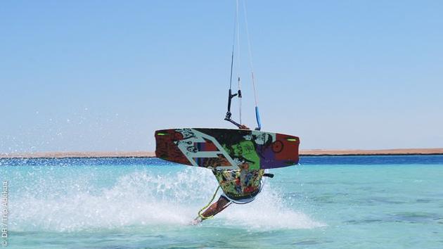 Découvrez les spots de kitesurf de la Mer Rouge, par la mer avec cette superbe croisière