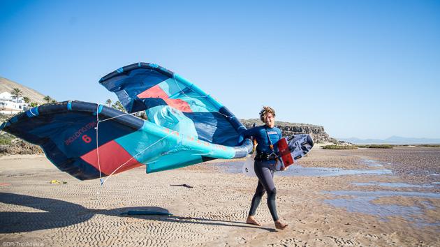 Des cours de kitesurf pour progresser sur les meilleurs spots des Canaries