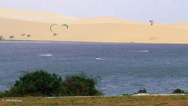 le spot de la lagune à Mui Ne au Vietnam, parfait pour progresser en kitesurf