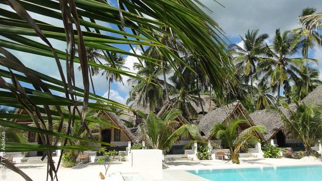 Un hébergement en bungalow sur un lagon de rêve pour ce séjour kite au Zanzibar.