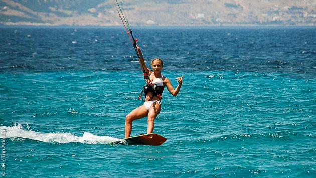 Kitesurf à volonté, cours, matériel et hébergement en villa grand luxe en Grèce