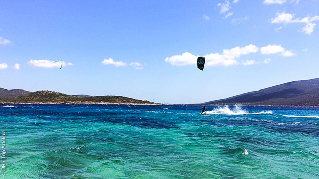 Des conditions idéales pour le kite sur cette île privée en Grèce
