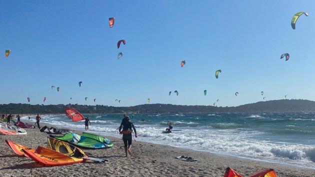Un séjour kitesurf de rêve sur la côte varoise