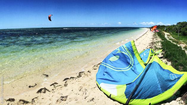 Kitesurf sur le lagon de Nouvelle Calédonie, avec location de matériel et hébergement