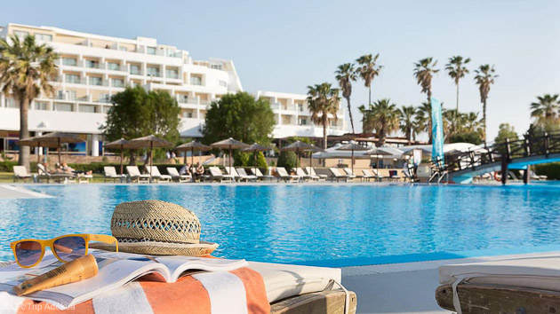 Profitez de la piscine de votre hôtel 4 étoiles entre deux sessions de kite