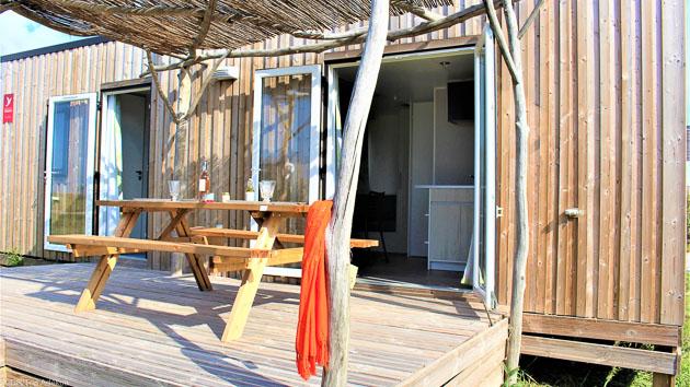 Séjour avec hébergement dans un bungalow ou une éco-tente tout confort, sur le spot de kitesurf de Beauduc, en Camargue