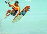 En freestyle ou en strapless, progressez grâce à votre coaching kite à Zanzibar - voyages adékua