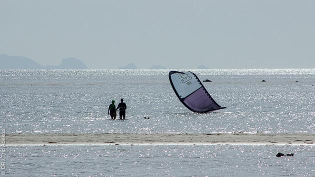 Stage découverte du kitesurf sur le spot de Baan Tai Beach en Thailande