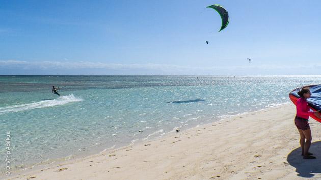 Sur les spots d'Union Bay et de Seco Island, vous progressez en kite dans une ambiance relax