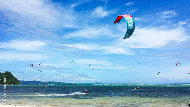 Découvrez l'un des meilleurs spots de kitesurf d'Asie, à Boracay (Philippines)