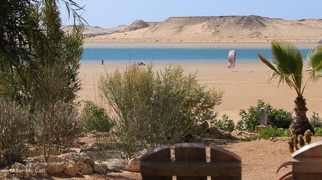 vue sur la lagune à marée basse et le spot de kite face à votre bungalow