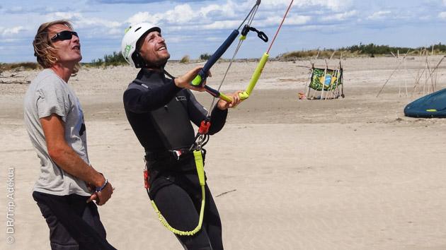 Apprenez le kite avec un moniteur diplômé sur les spots autour de Palavas Les Flots