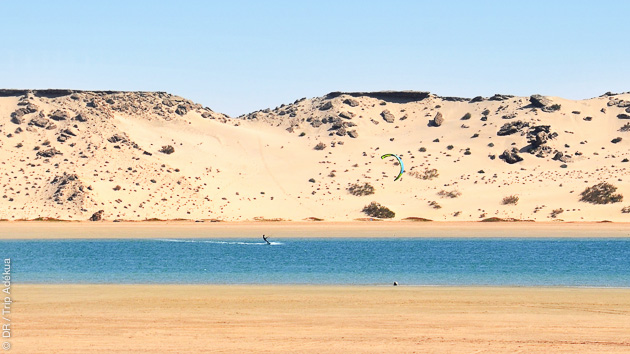 Cours de kitesurf avec moniteurs diplômés à Dakhla au Maroc