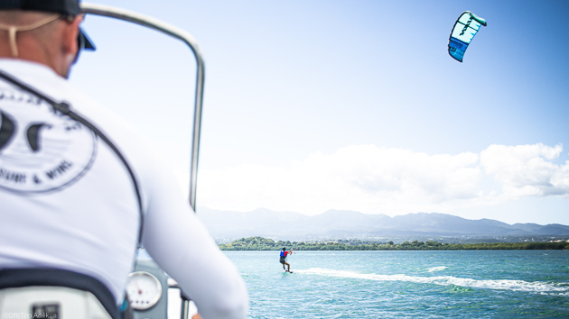 Progressez en kite pendant votre séjour avec villa tout confort en Guadeloupe