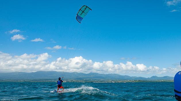 Des cours pour progresser à votre vitesse sur les meilleurs spots de kite de Guadeloupe