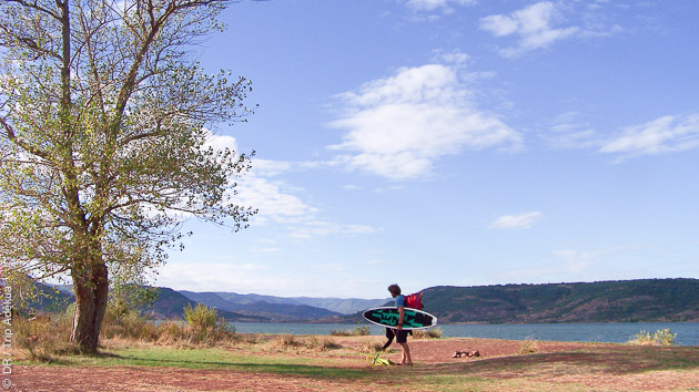 En coaching d'une semaine ou en cours semi-privé, vous progressez en kite pendant ce stage dans l'Hérault
