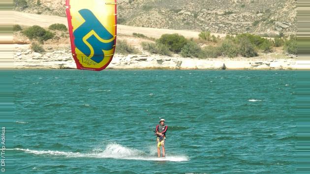 Un stage pour les kiteurs autonomes pour apprendre à foiler sur le Delta de l'Ebre