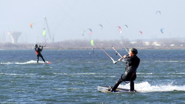Votre séjour kitesurf ou wingfoil à Marseille pour vous initier ou progresser