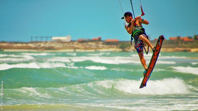 Perfectionnement en kite en toute sécurité sur le spot de Pontal de Macéio au Brésil