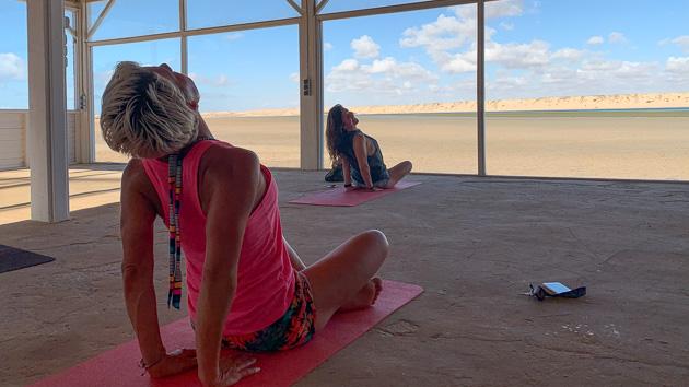 Vos séances de yoga pour récupérer après le kite et vous détendre