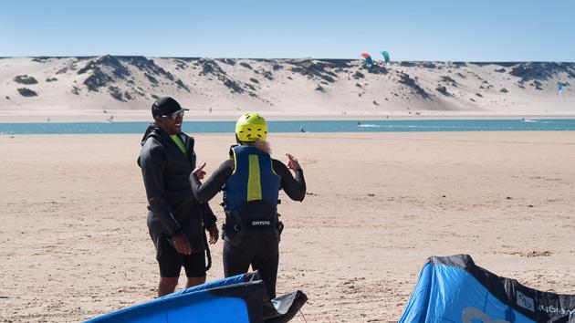 Naviguez et progressez en kite sur la lagune de Dakhla au Maroc