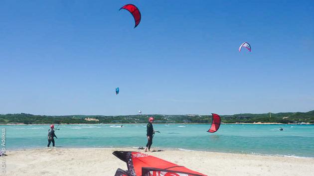 Progressez sur les meilleurs spots de kite de Bonifacio en Corse