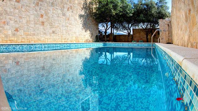 Entre deux sessions de kite, profitez de la piscine de votre villa