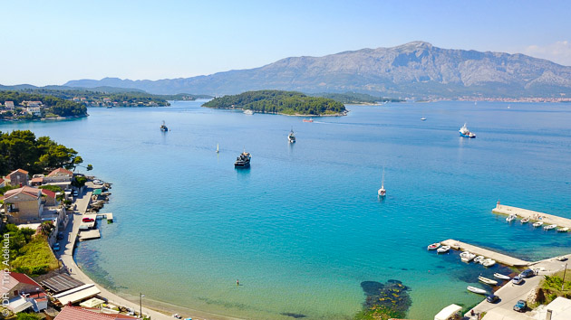 Découvrez la beauté de la côte croate pendant votre séjour kitesurf