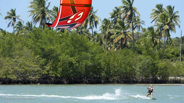 cours de kite à Tibau do Sul au Brésil
