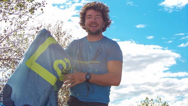 Notre agent Jérémie vous accueille pour un stage de kite et vous présente toutes les activités possibles à Canet