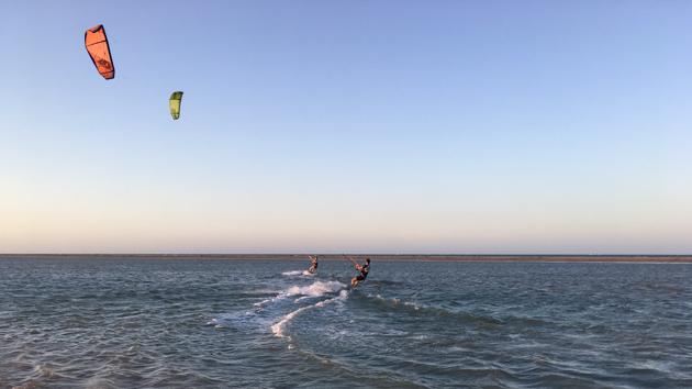 Un séjour kitesurf de rêve pour progresser sur la lagune de Patos au Brésil