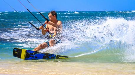 Progressez en kitesurf sur les meilleurs spots de Cabarete