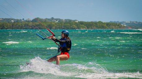 Savourez vos sessions kitesurf sur les meilleurs spots de Guadeloupe