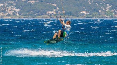 Le spot de Marmari, sur l'île d'Evia en Grèce offre des vents réguliers pour la pratique du kite