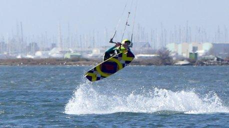 Un séjour kitesurf à Marseille avec cours, équipement et hébergement