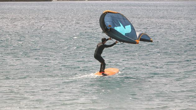 Des vacances kite avec cours de wingfoil et wingsurf à El Medano aux Canaries
